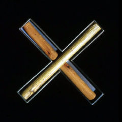 6.42 'X Marks the Spot' 2000. Brooch; white metal (oxidised), willow twig