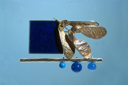 7.0 'Midnight Blues' 2003. Brooch; white metal, lapis lazuli, agate, turquoise